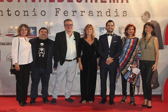 Fotografía de familia de la Gala de Clausura del Festival Antonio Ferrandis